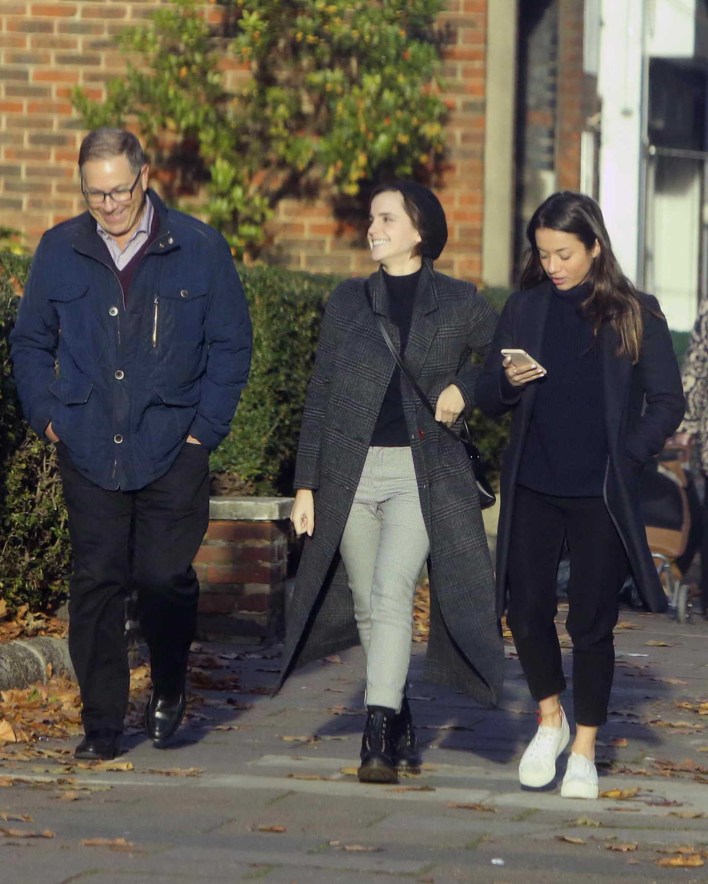 Emma Watson Was Seen With Friends in North London 11/09/2017