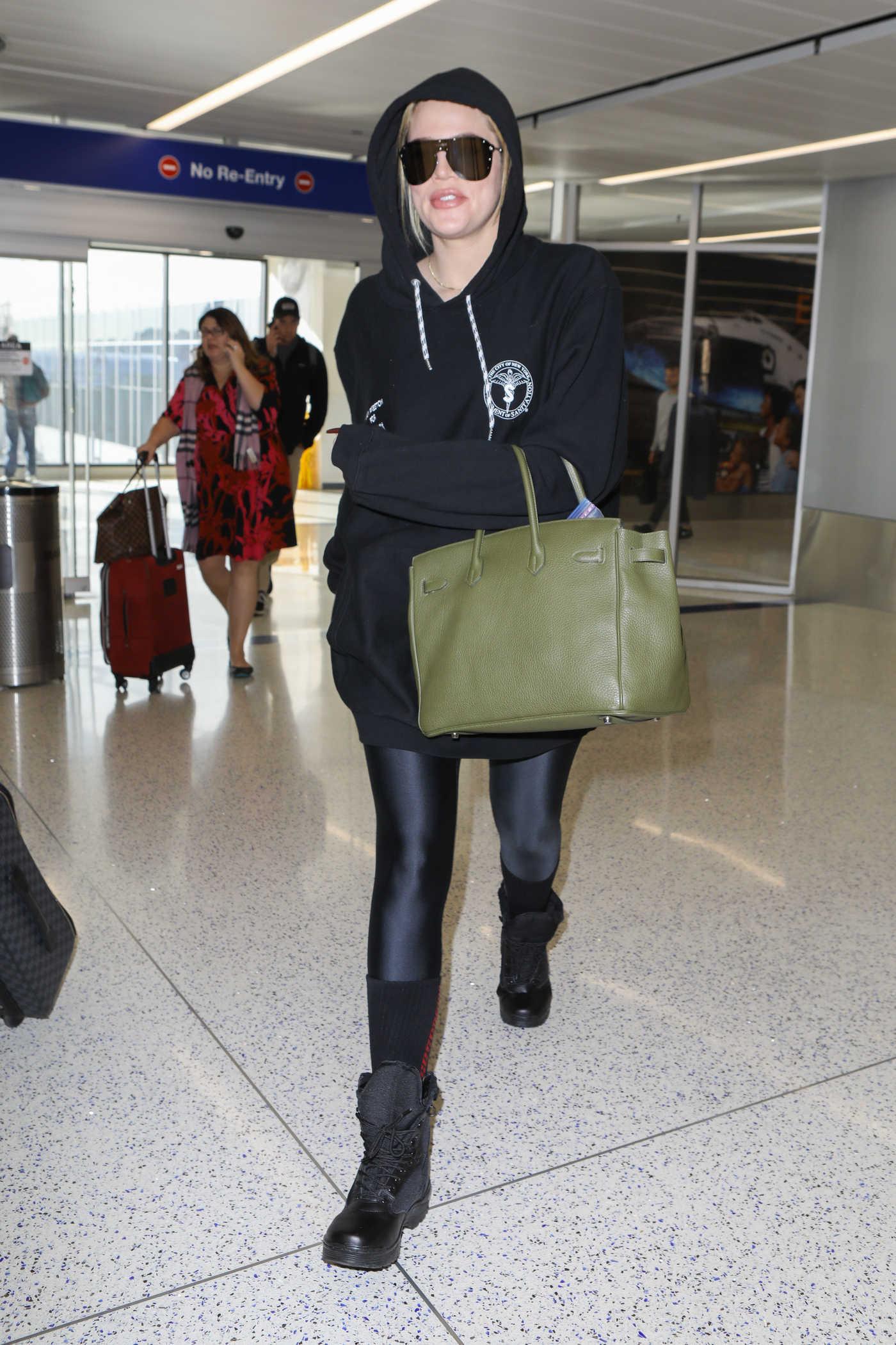 Khloe Kardashian Arrives at LAX Airport in LA 11/28/2017
