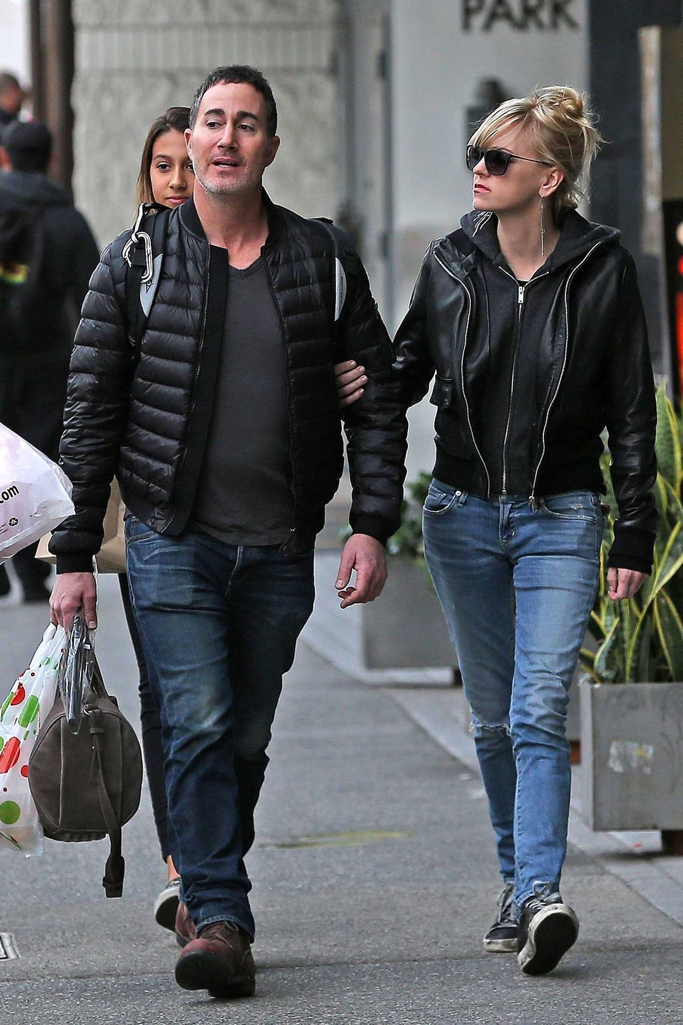 Anna Faris Goes Christmas Shopping with Her Boyfriend Michael Barrett in LA 12/23/2017