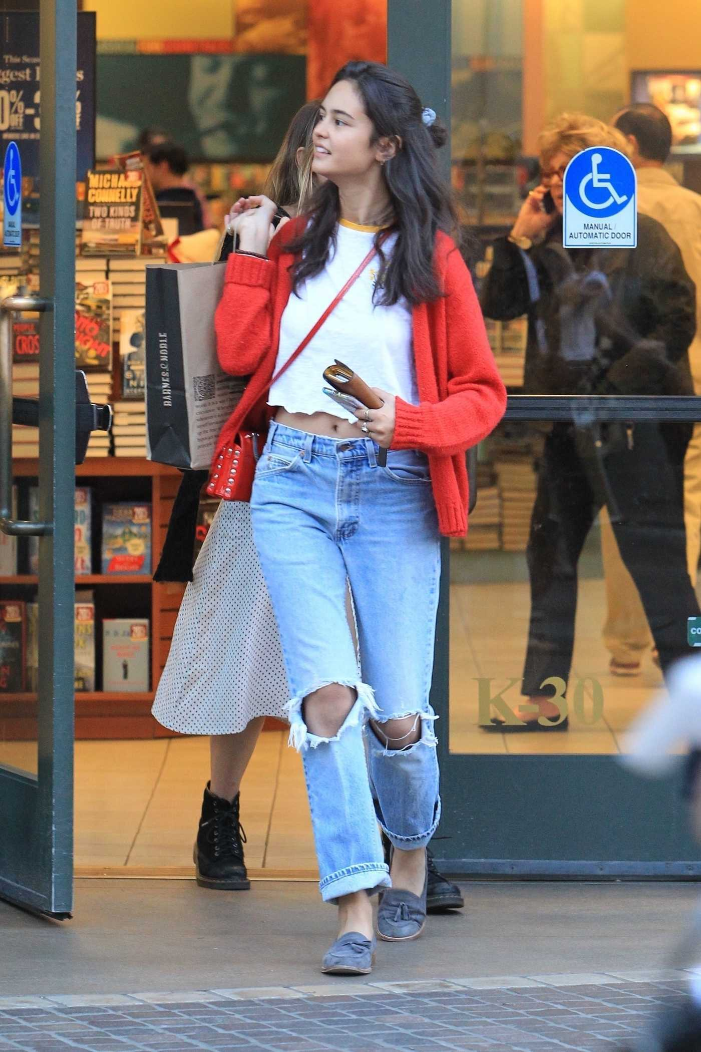 Courtney Eaton Goes Christmas Shopping at The Grove in West Hollywood 12/12/2017