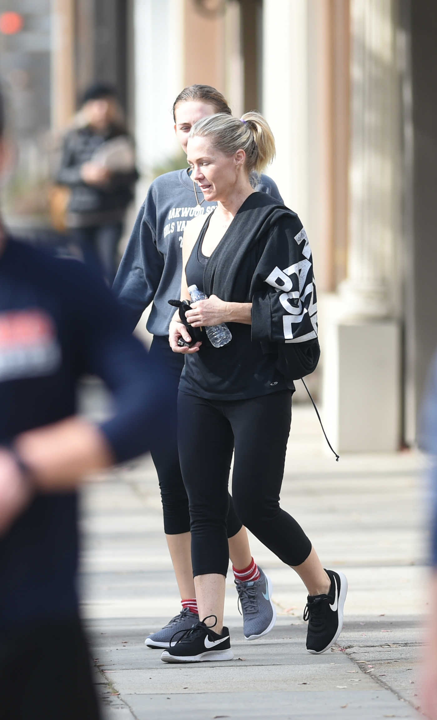 Jennie Garth Leaves a Workout in Los Angeles 12/26/2017