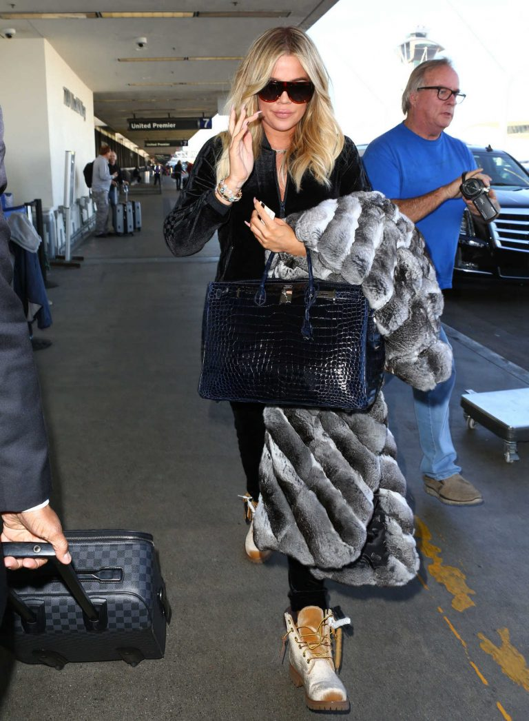 Khloe Kardashian Arrives at LAX Airport in Los Angeles 12/29/2017-1