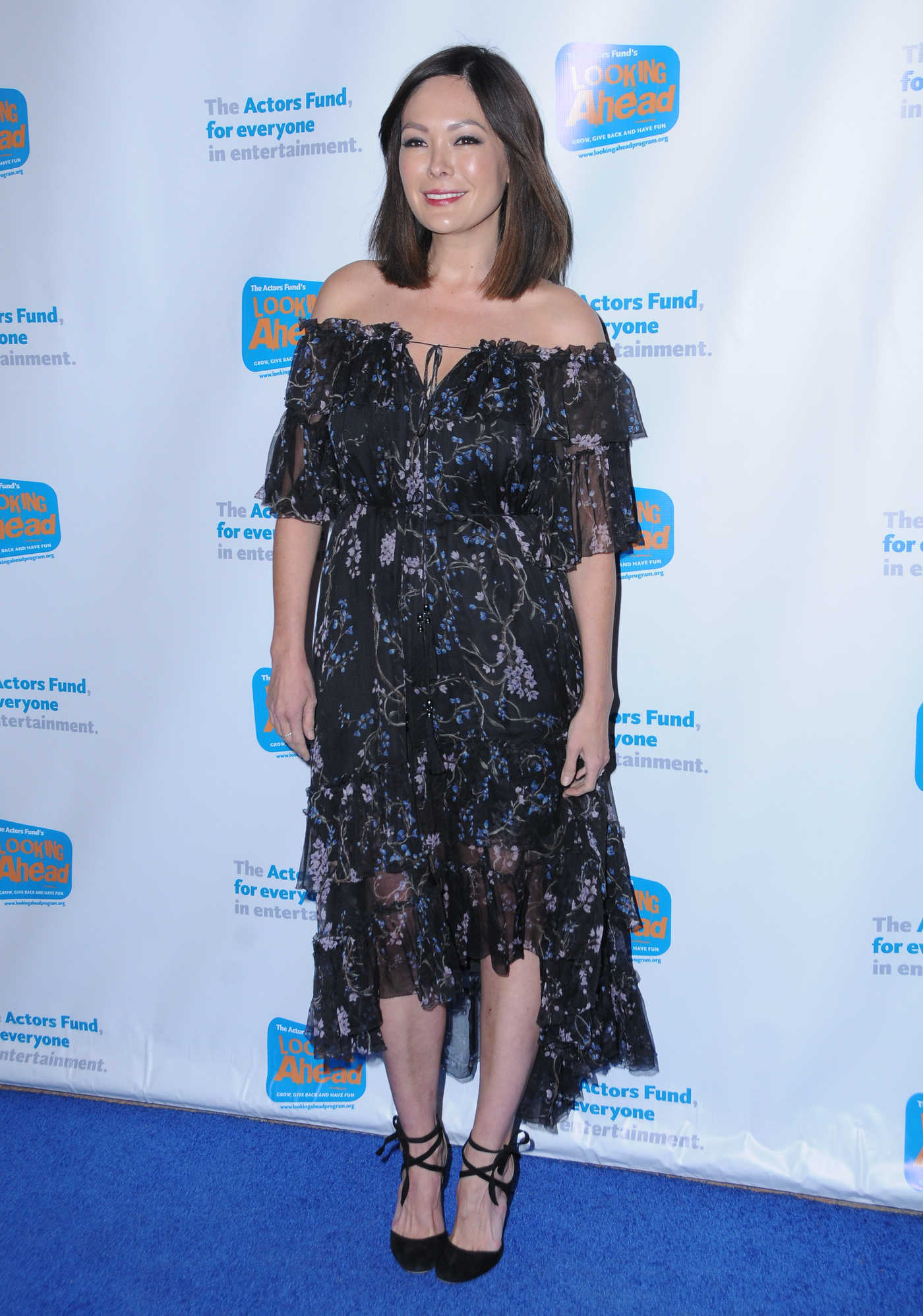 Lindsay Price at the Actors Fund's Looking Ahead Awards in Hollywood 12/05/2017