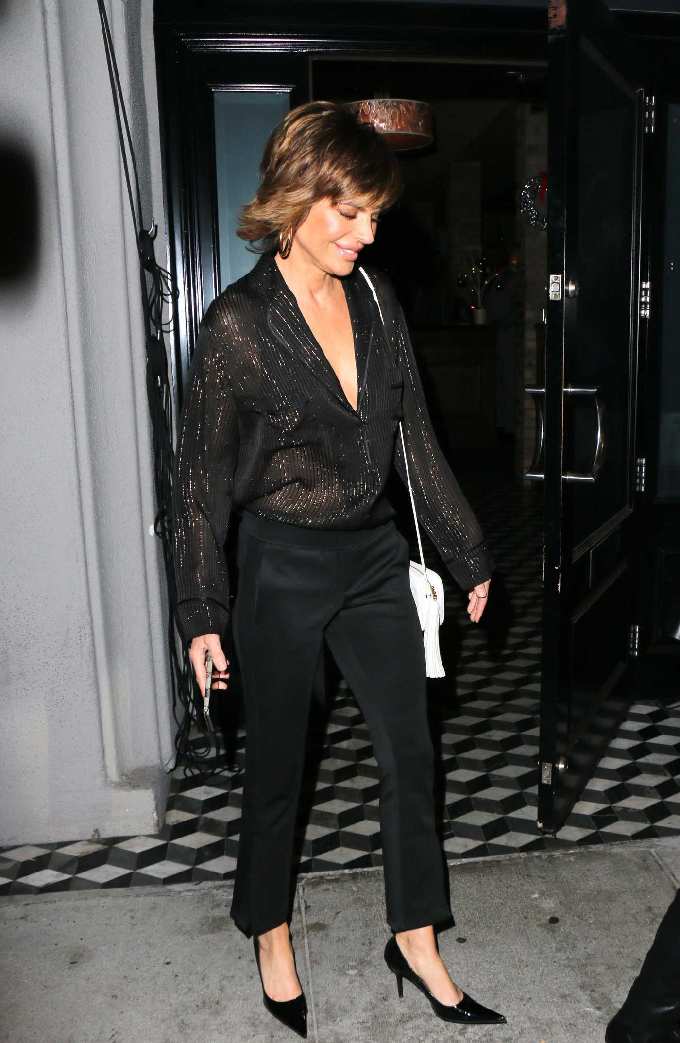 Lisa Rinna Leaves Craig's Restaurant in West Hollywood 12/27/2017