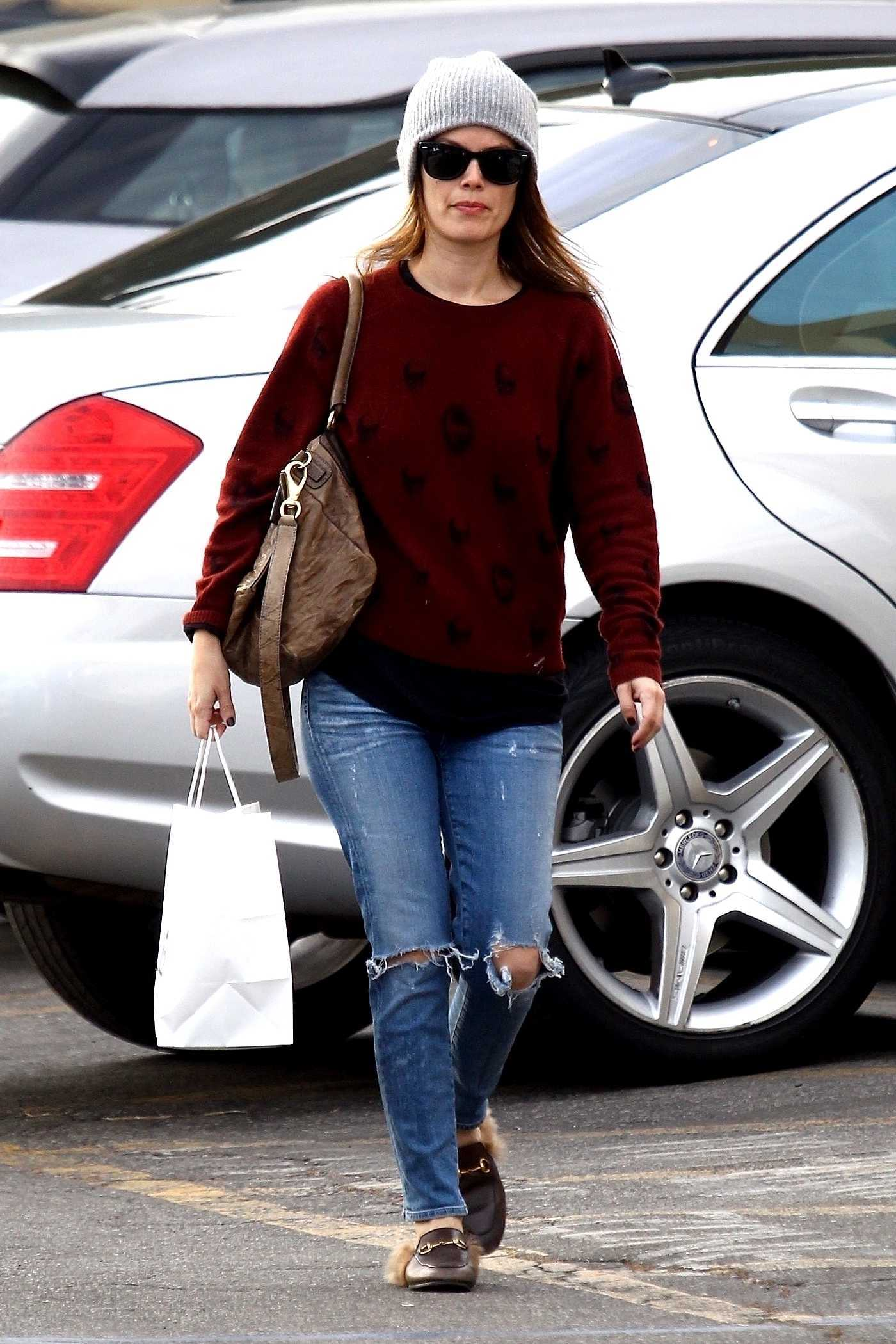 Rachel Bilson Wears a Grey Beanie in Studio City 12/28/2017