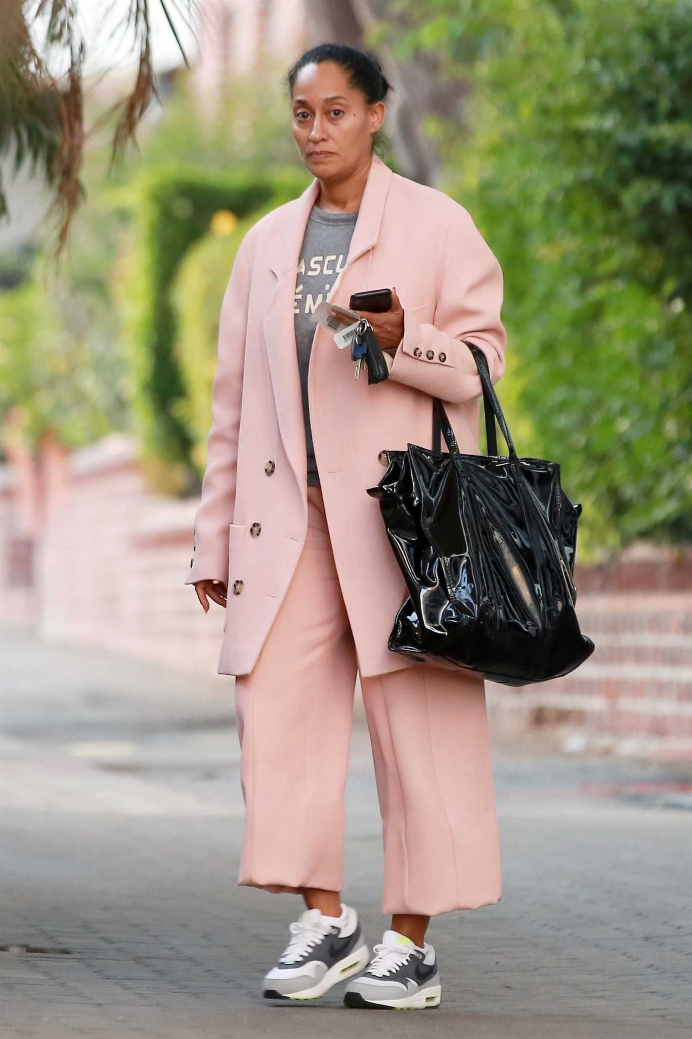 Tracee Ellis Ross Leaves a Business Meeting in Beverly Hills 12/14/2017