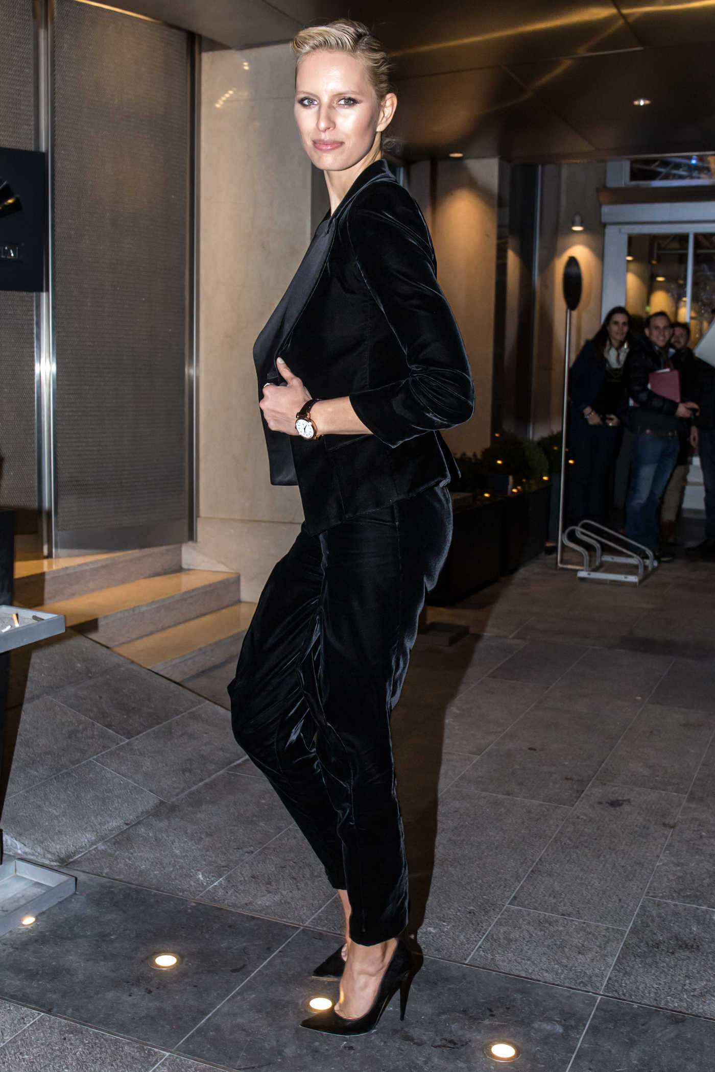 Karolina Kurkova Arrives at the Mandarin Oriental Hotel in Geneva 01/17/2018