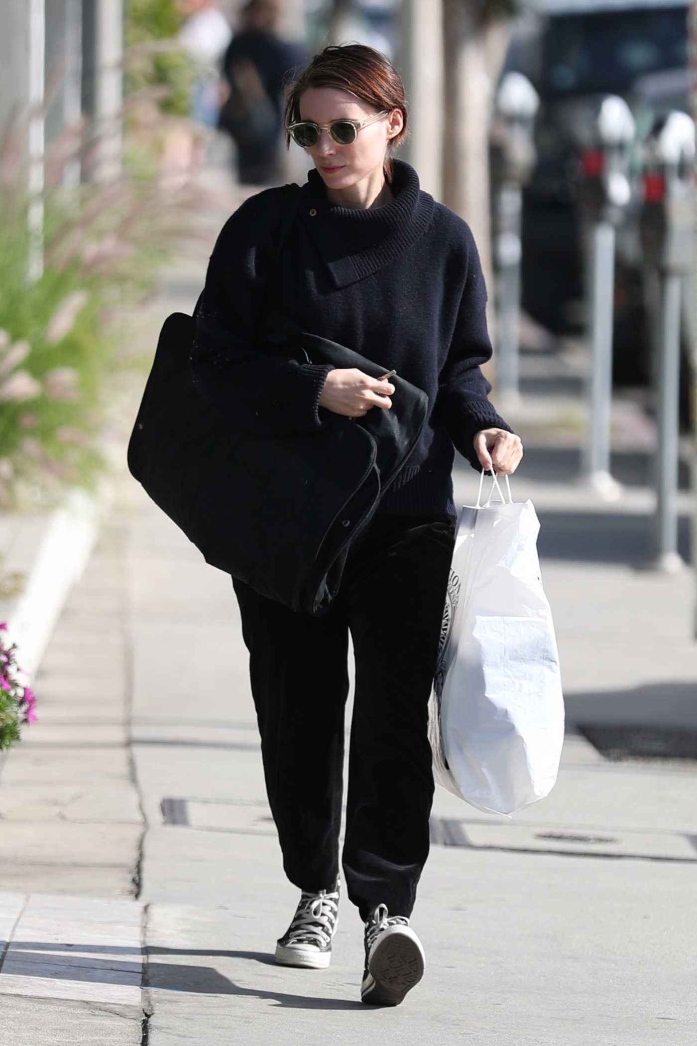 Rooney Mara Goes Shopping on Melrose Ave in West Hollywood 01/02/2018