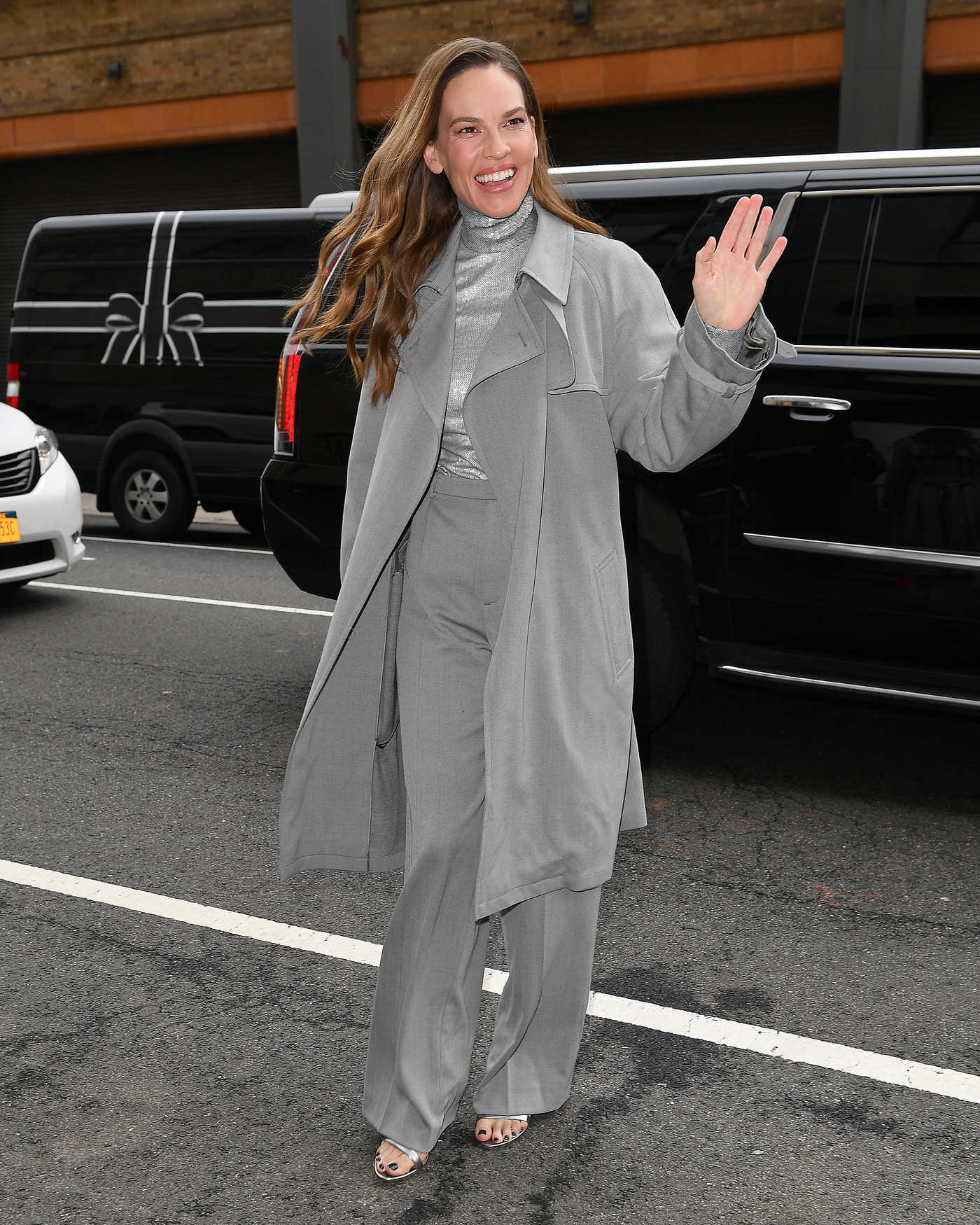 Hilary Swank Wears a Grey Coat Out in New York City 02/12/2018