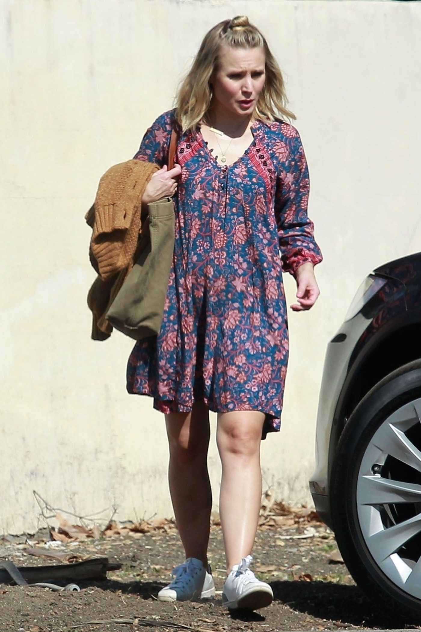 Kristen Bell Was Seen Out in Los Angeles 02/09/2018