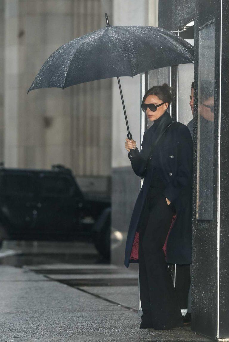 Victoria Beckham Steps Out in Manhattan, New York City 02/11/2018-1
