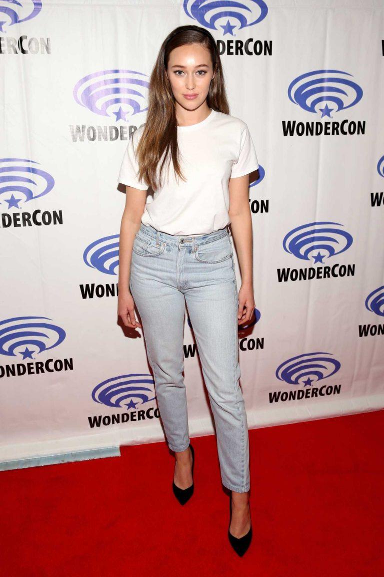 Alycia Debnam-Carey at the WonderCon at Anaheim Convention Center in Anaheim 03/24/2018-1