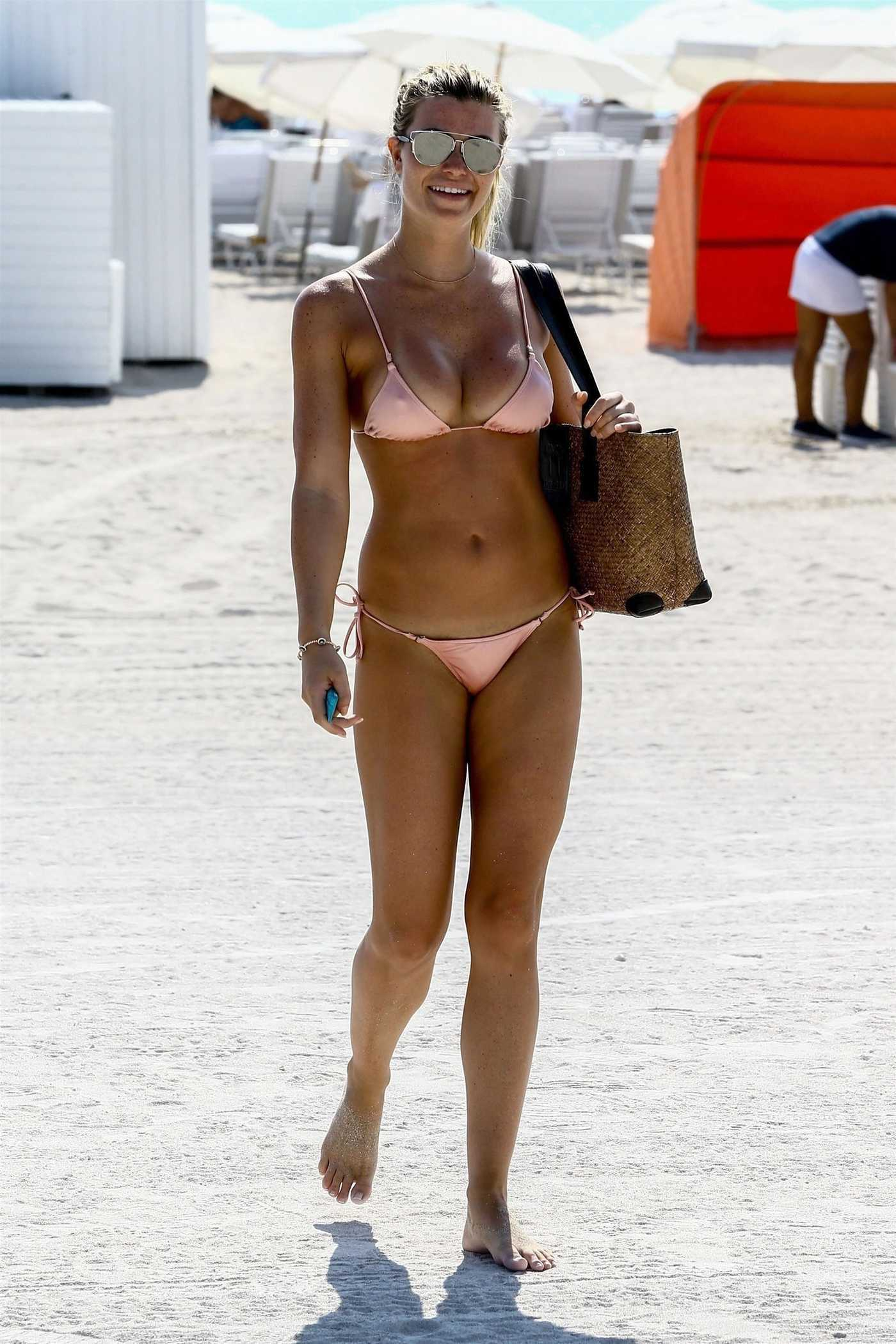 Samantha Hoopes Wears a Pink Bikini on the Beach in Miami 03/18/2018
