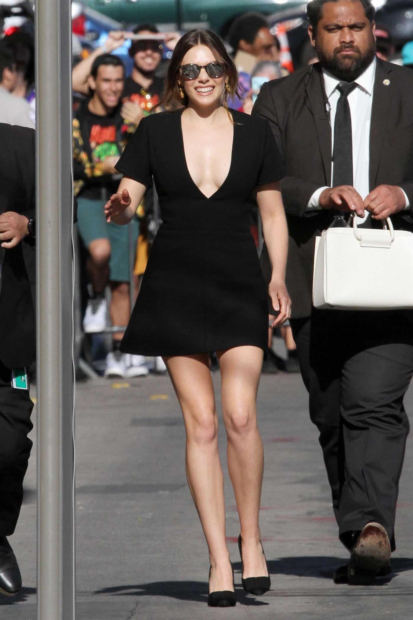 Elizabeth Olsen Arrives at Jimmy Kimmel Live in Hollywood 04/26/2018