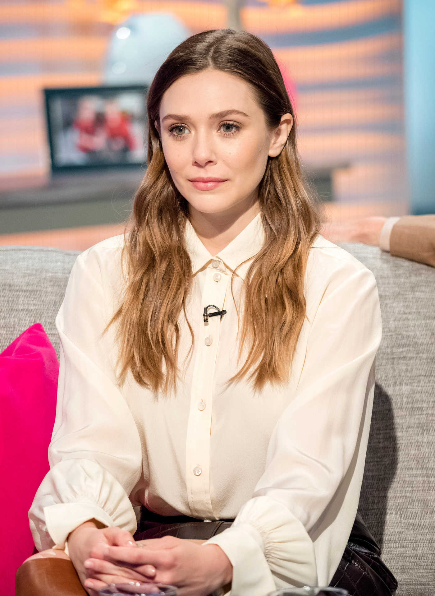 Elizabeth Olsen on Lorraine TV Show in London 04/11/2018