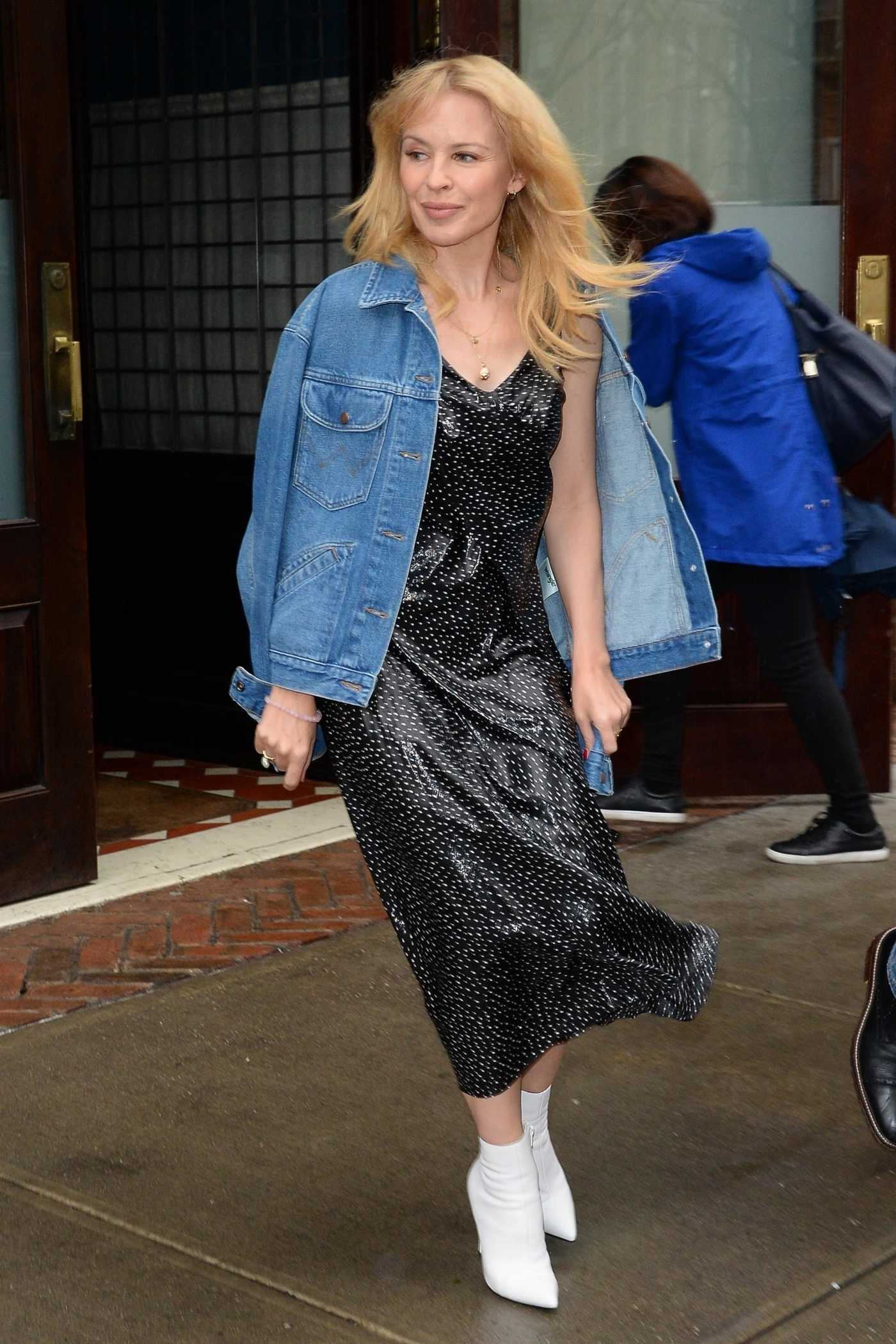 Kylie Minogue Leaves Her Hotel in New York 04/25/2018