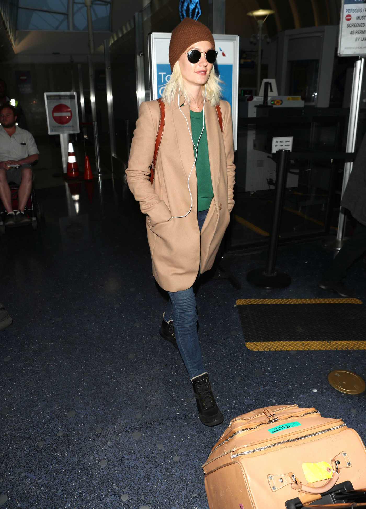 Leighton Meester Arrives at LAX Airport  in Los Angeles 04/03/2018
