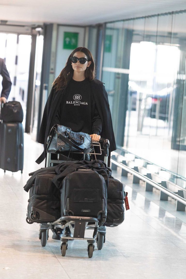 Lily Aldridge Was Seen at Heathrow Airport in London 05/04/2018-1