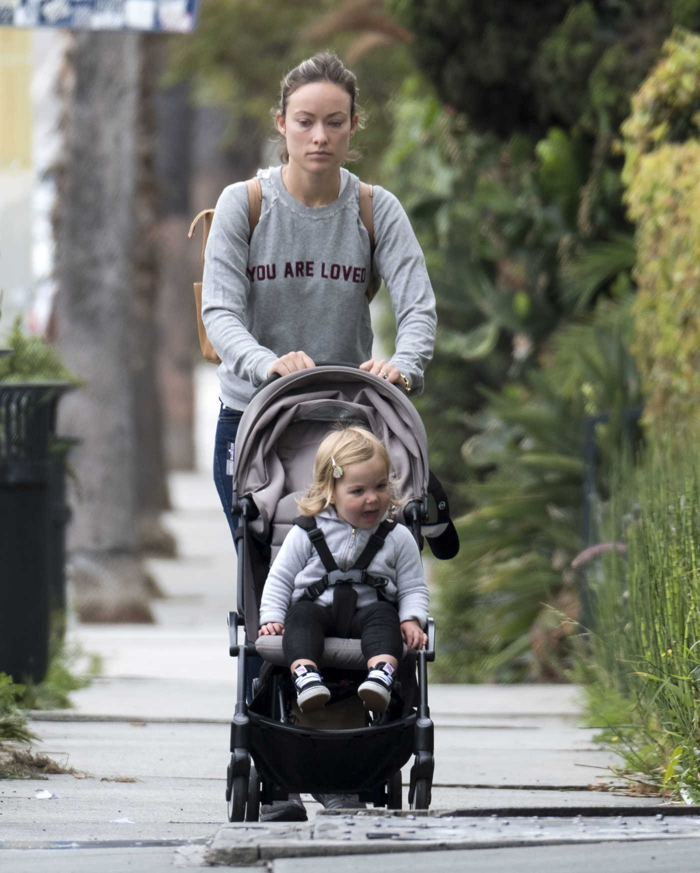 Olivia Wilde Takes Her Daughter Daisy Josephine for a Stroll in Los Angeles 05/30/2018