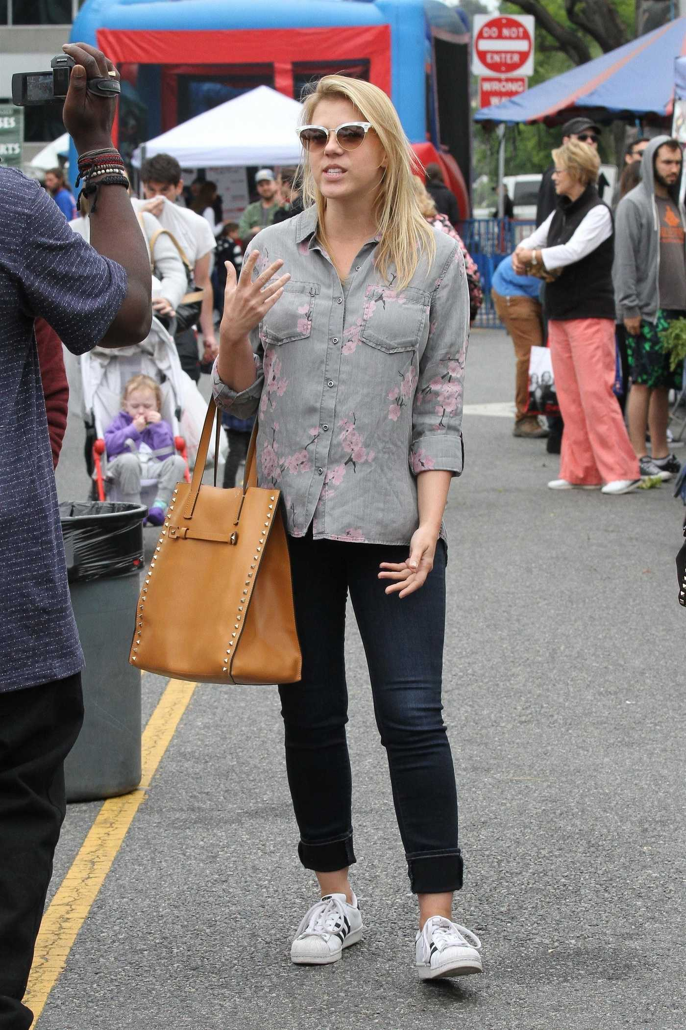Jodie Sweetin Was Spotted at Farmer's Market in Studio City 06/17/2018