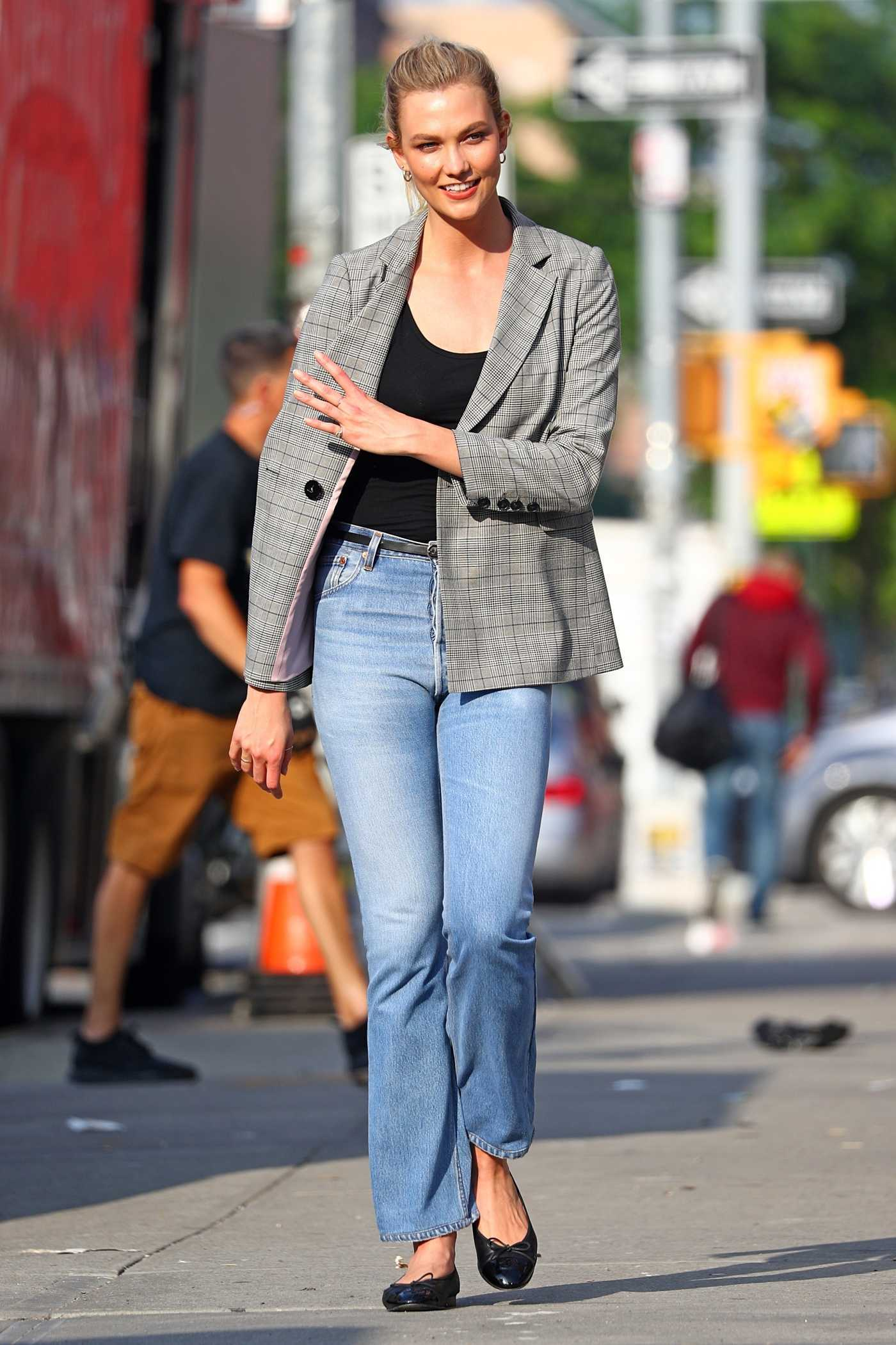 Karlie Kloss Was Seen Out in New York City 06/01/2018