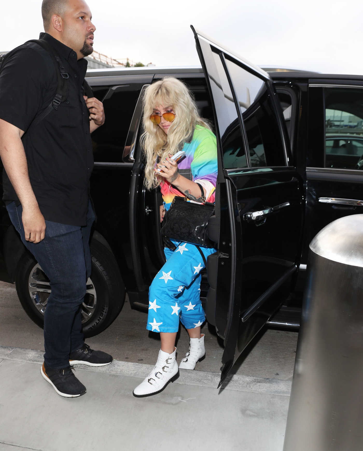Kesha Arrives at LAX Airport in LA 06/04/2018