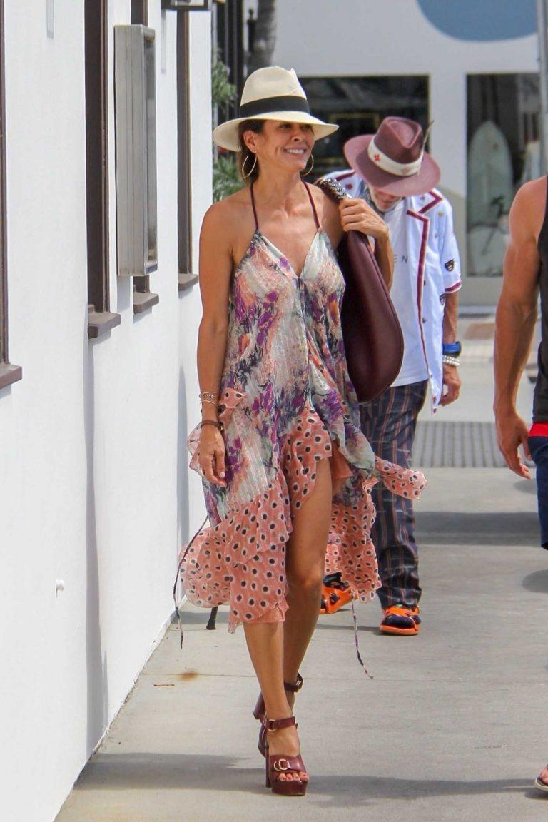 Brooke Burke Out Shopping in Malibu 07/07/2018-1