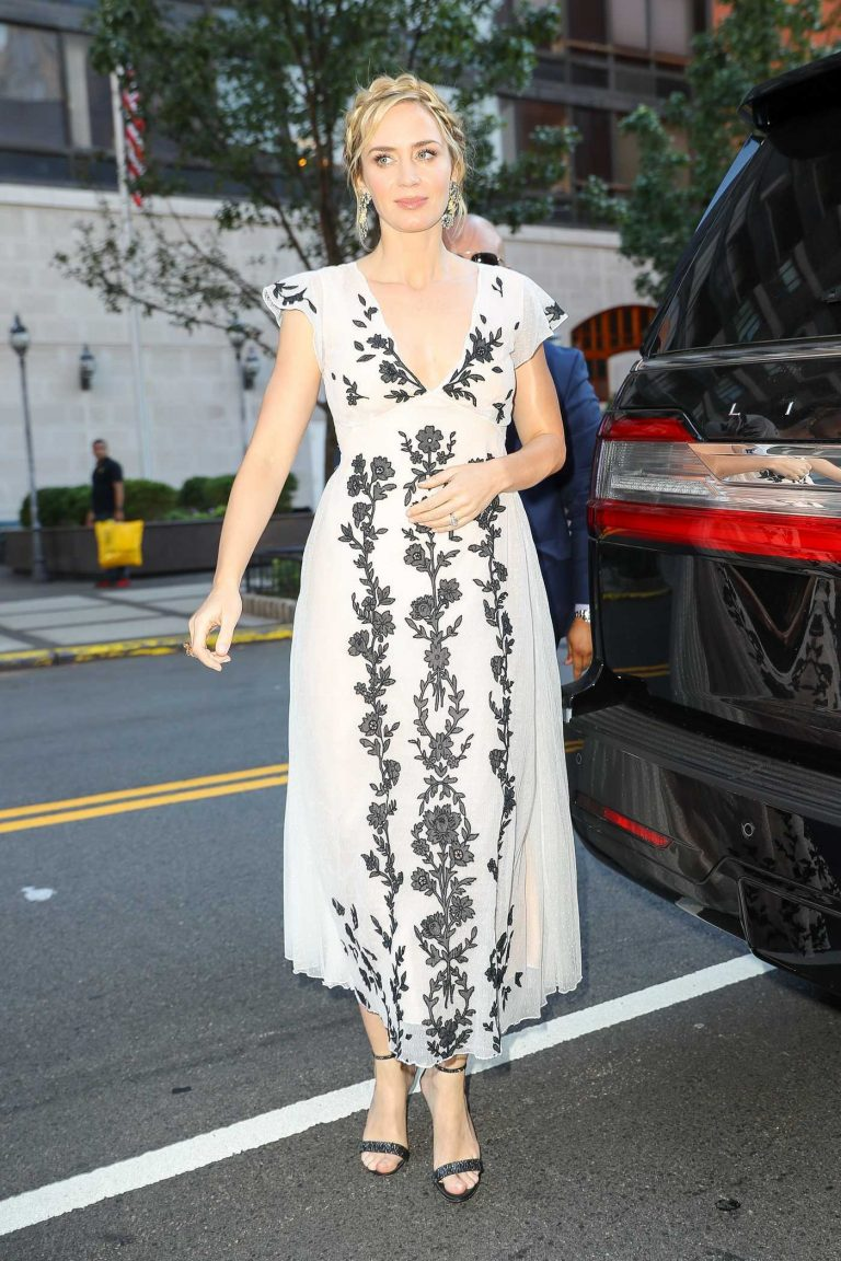 Emily Blunt Arrives at the 12th Annual AIS Freeing Voices Changing Lives Gala in New York 07/09/2018-1