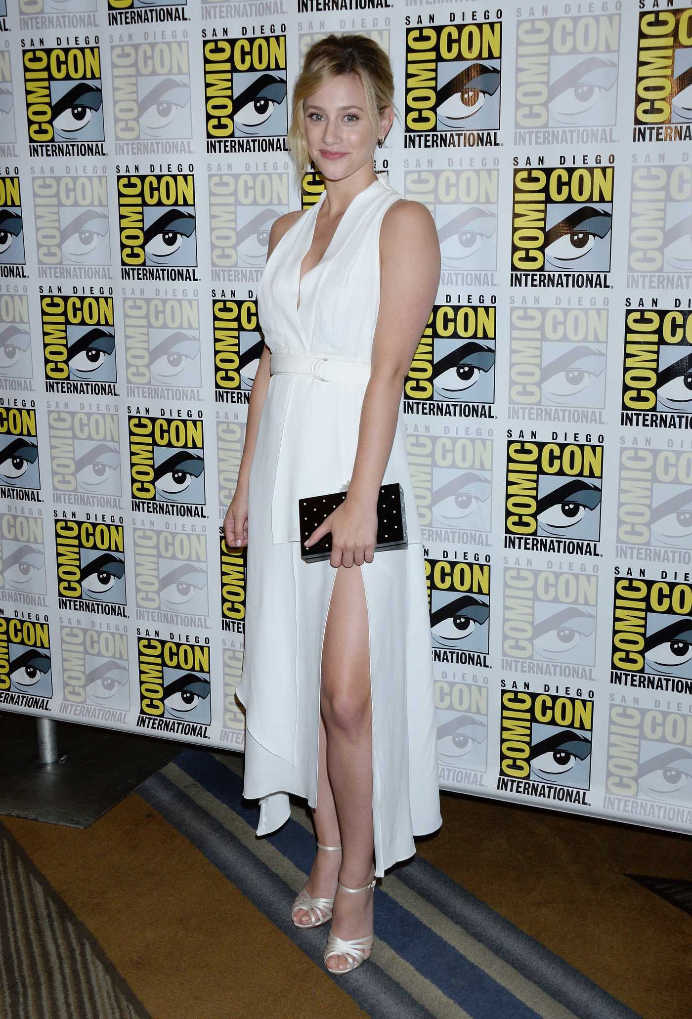 Lili Reinhart at the Riverdale Photocall During 2018 Comic-Con in San Diego 07/21/2018