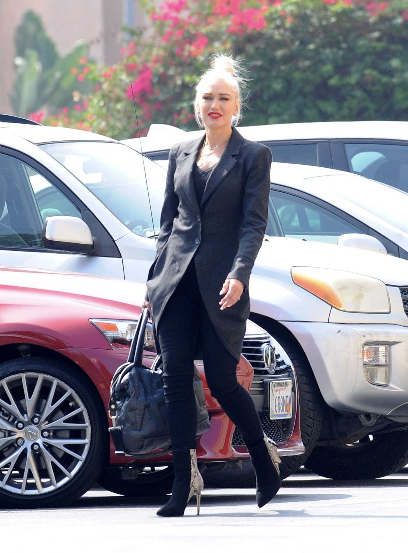 Gwen Stefani Attends Mass Service at St. Brendan Catholic Church in Los Angeles 08/26/2018