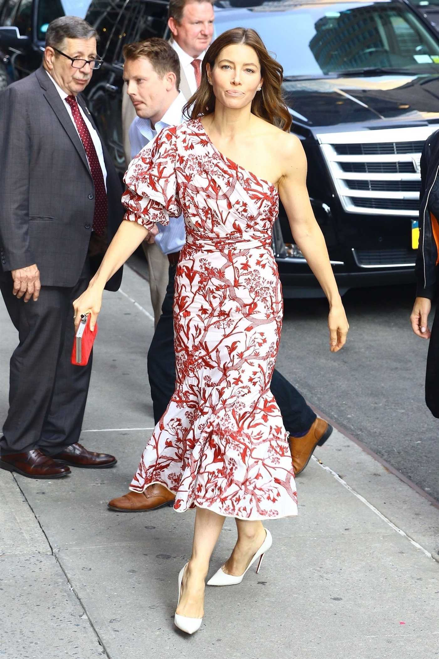 Jessica Biel in a Floral Dress Arrives at the Stephen Colbert Show in New York 08/15/2018
