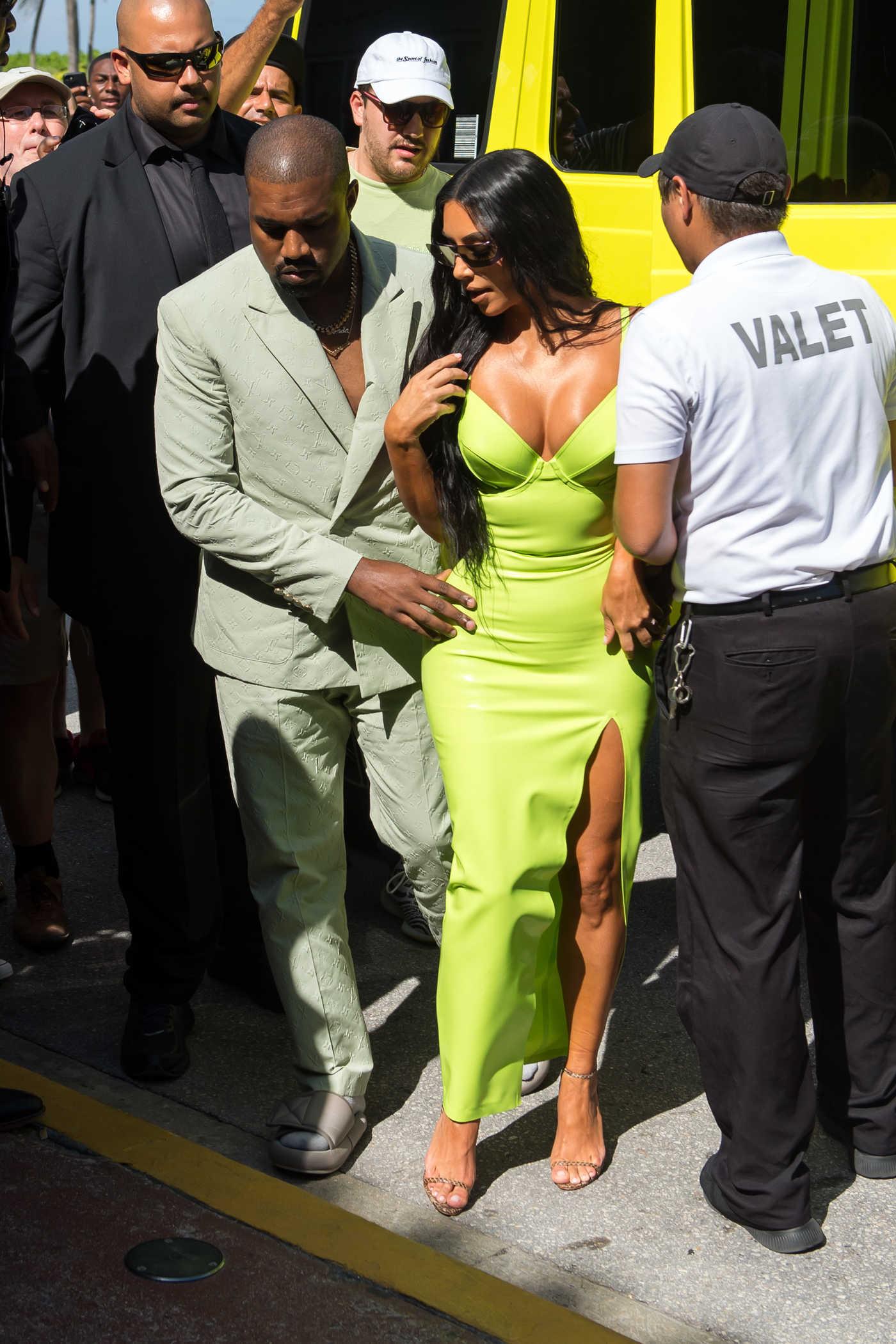 Kim Kardashian Arrives at 2-Chainz's Wedding in Miami 08/18/2018