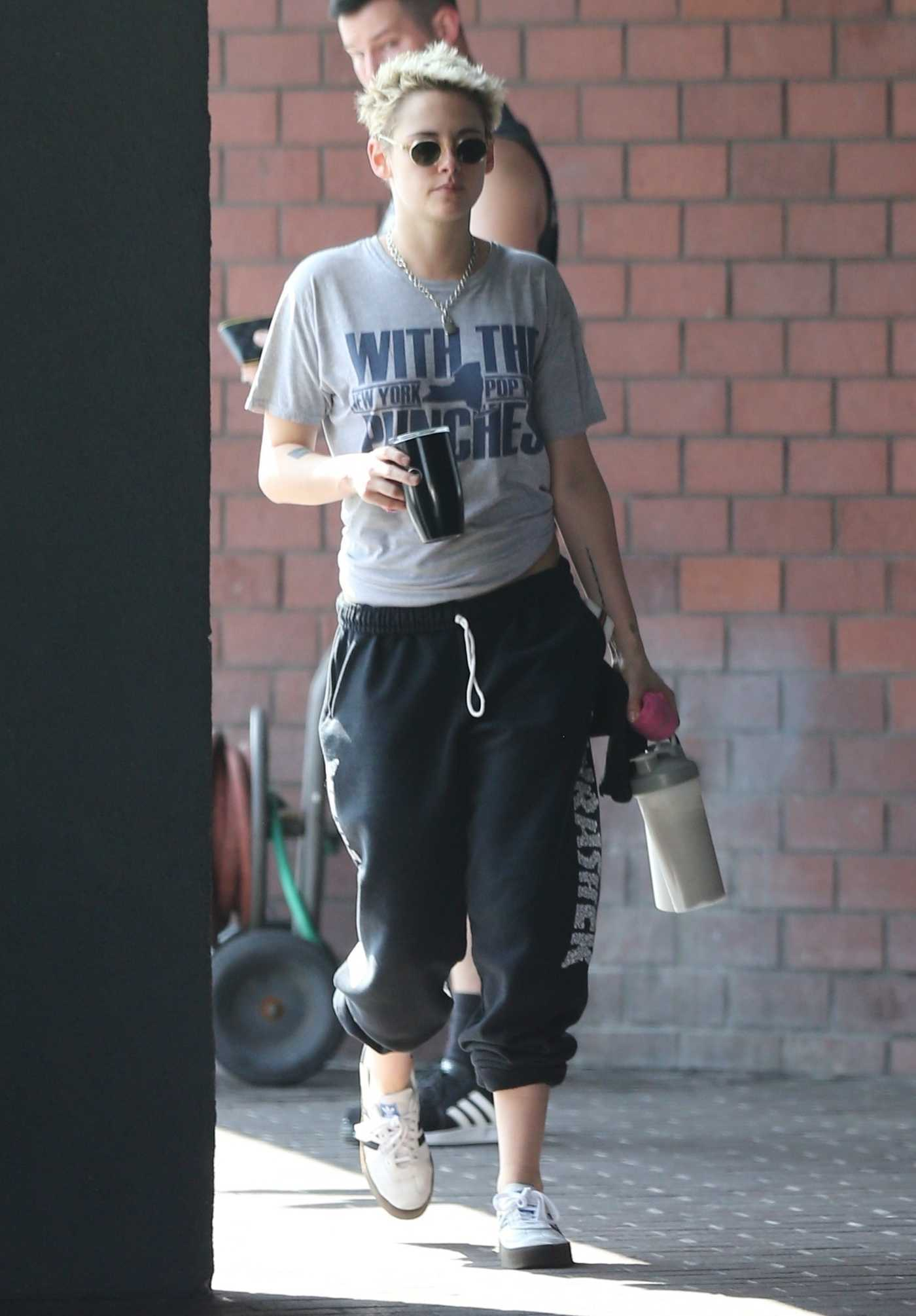 Kristen Stewart in a Dark Blue Sweatpants Leaves a Karate Class in Hollywood 08/17/2018