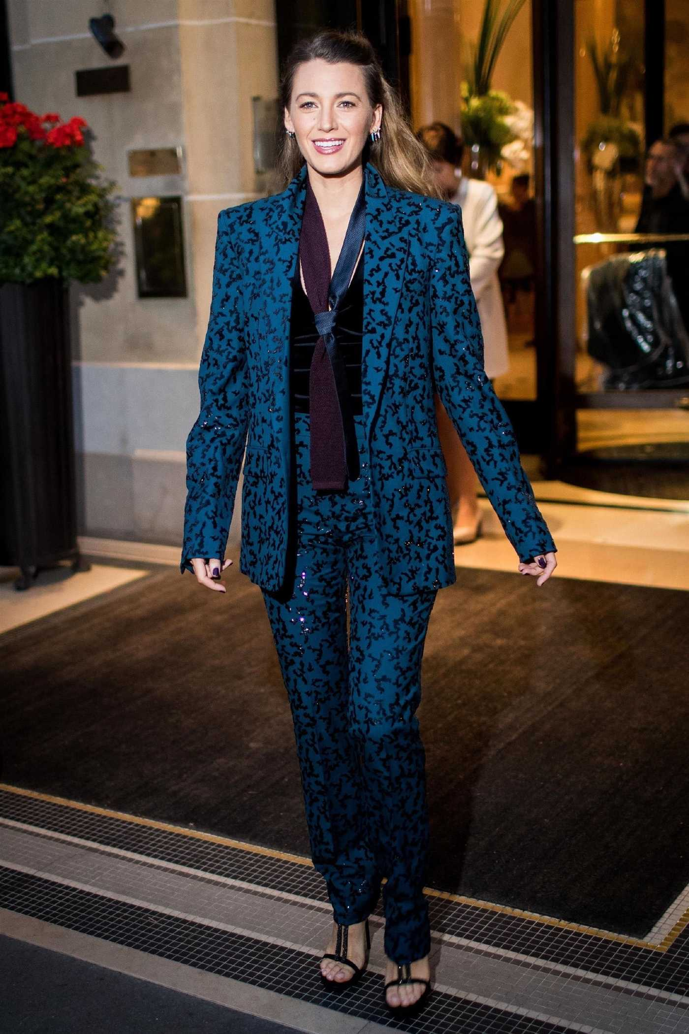 Blake Lively Leaves the Hotel Plaza Athenee in Paris 09/18/2018
