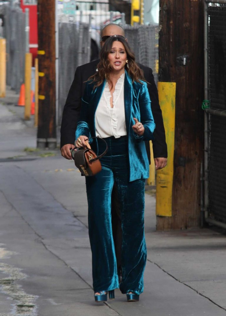 Jennifer Love Hewitt in a Turquoise Suit