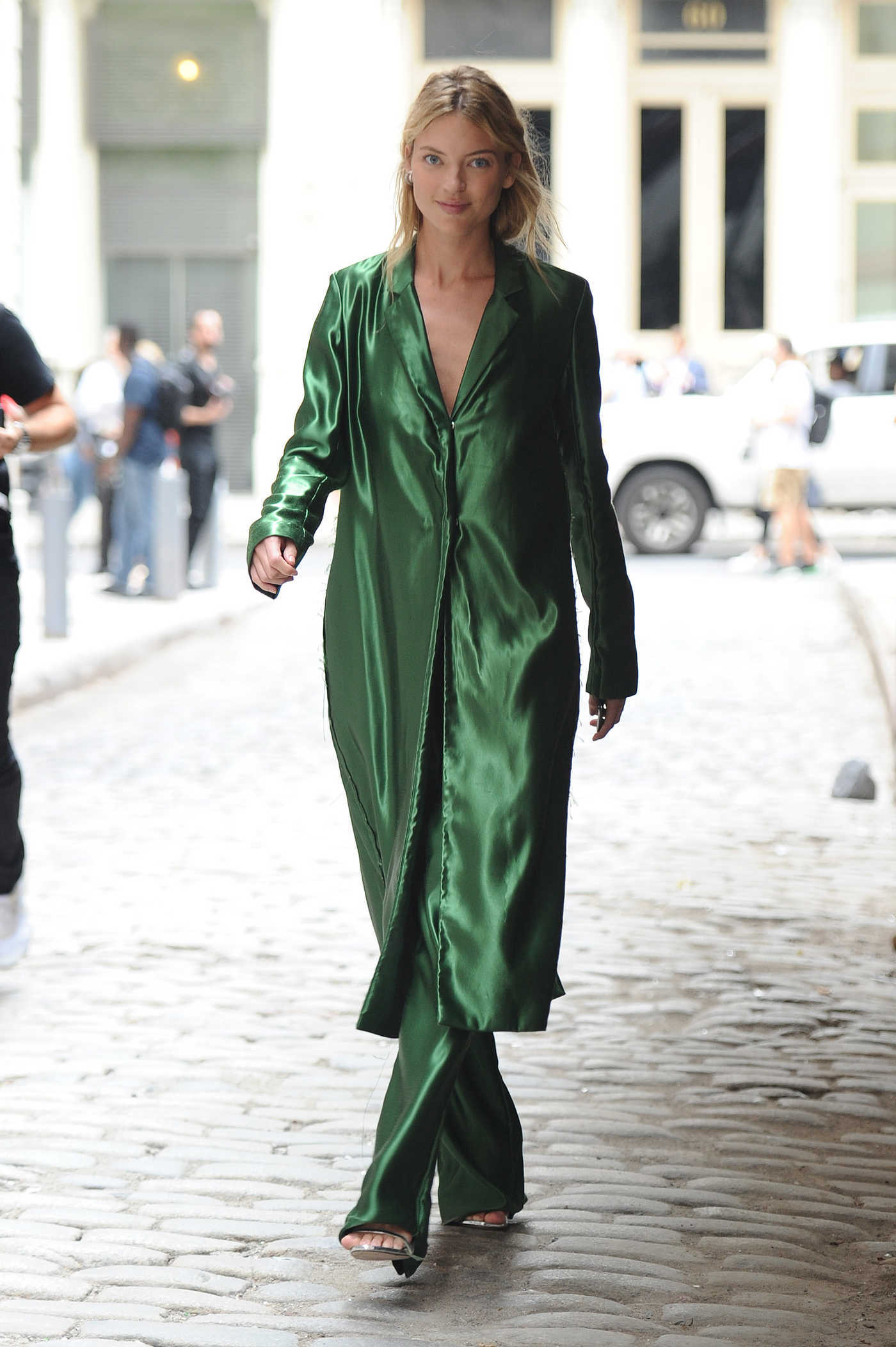 Martha Hunt in a Green Trench Coat Was Seen Out in NYC 09/07/2018