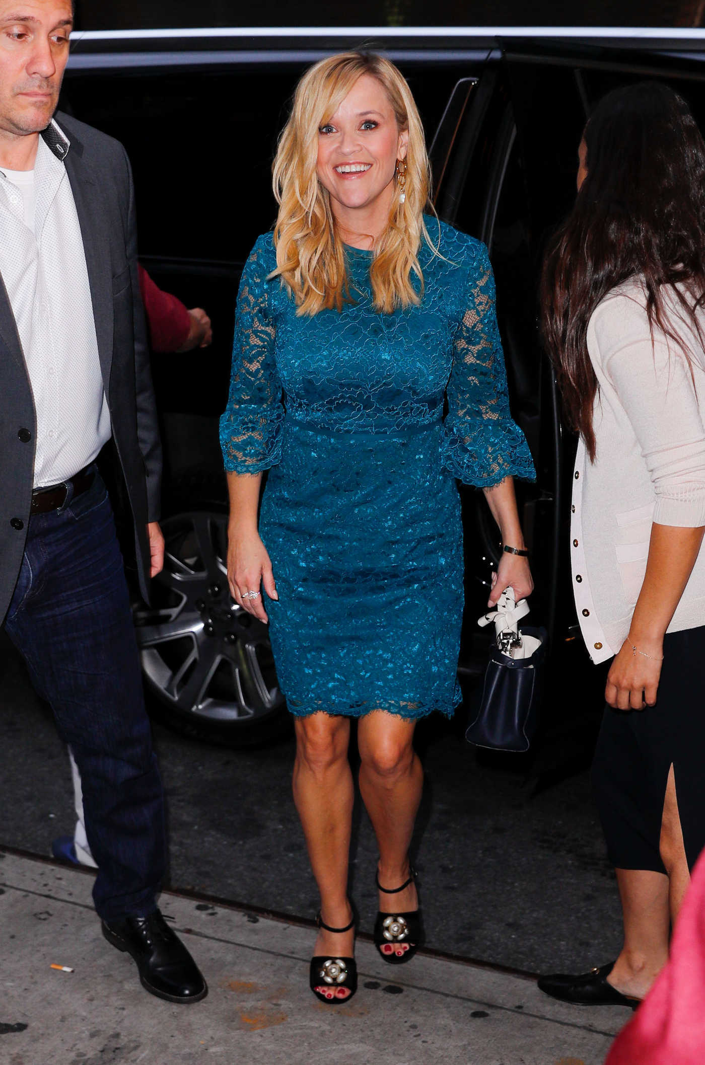 Reese Witherspoon in a Blue Dress Was Seen Out in NYC 09/17/2018