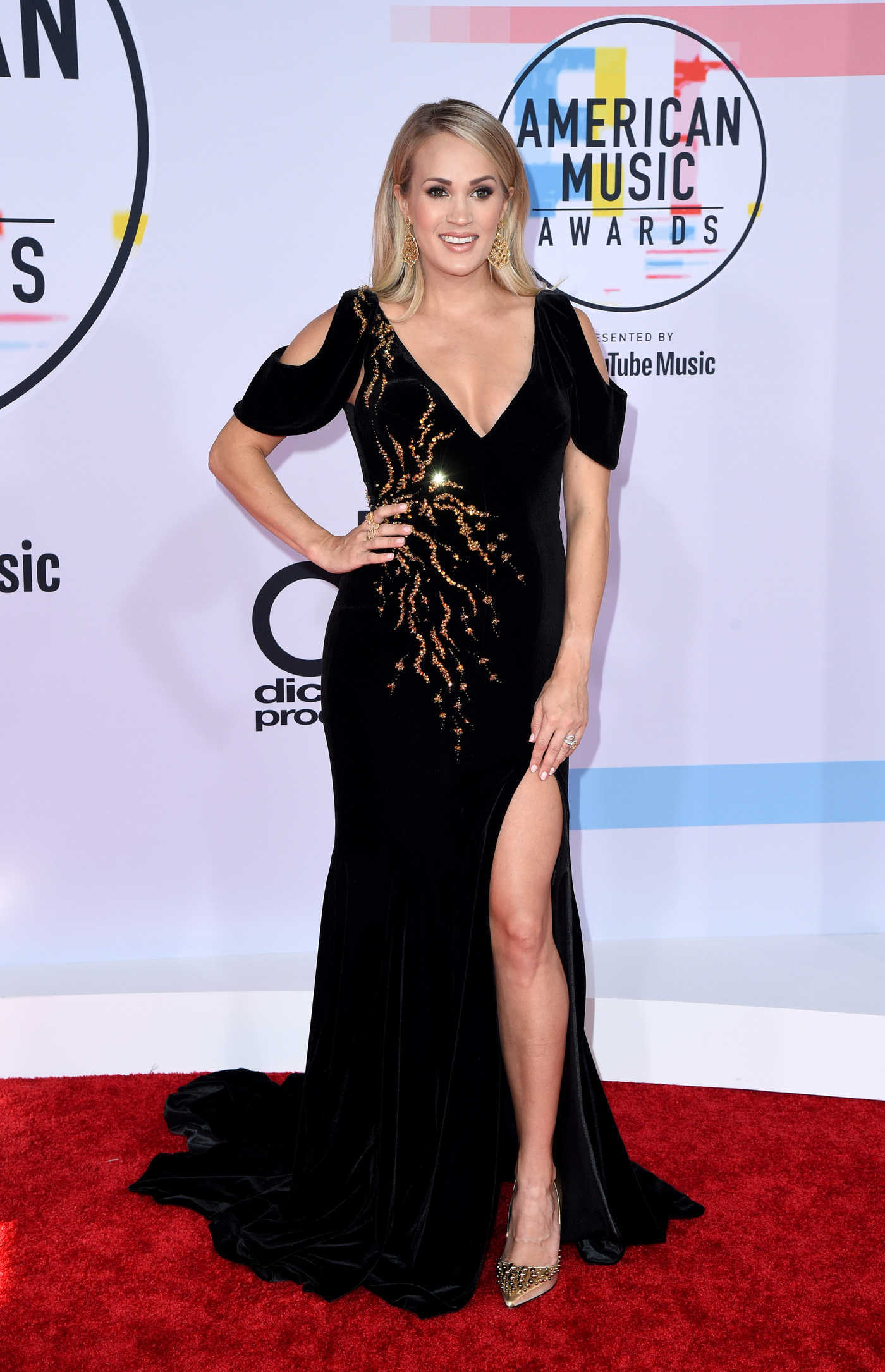 Carrie Underwood at 2018 American Music Awards at Microsoft Theater in LA 10/09/2018