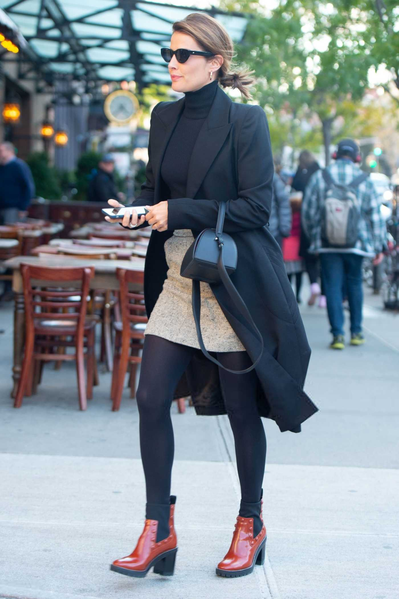 Cobie Smulders in a Black Trench Coat Was Seen Out in New York City 10/24/2018