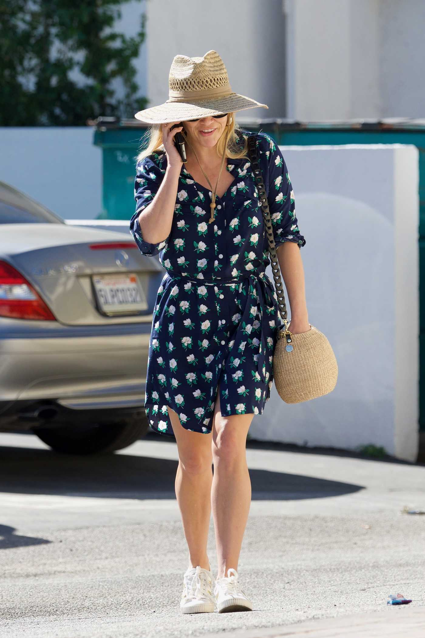 Reese Witherspoon in a Floral Dress Was Seen Out in Los Angeles 10/20/2018