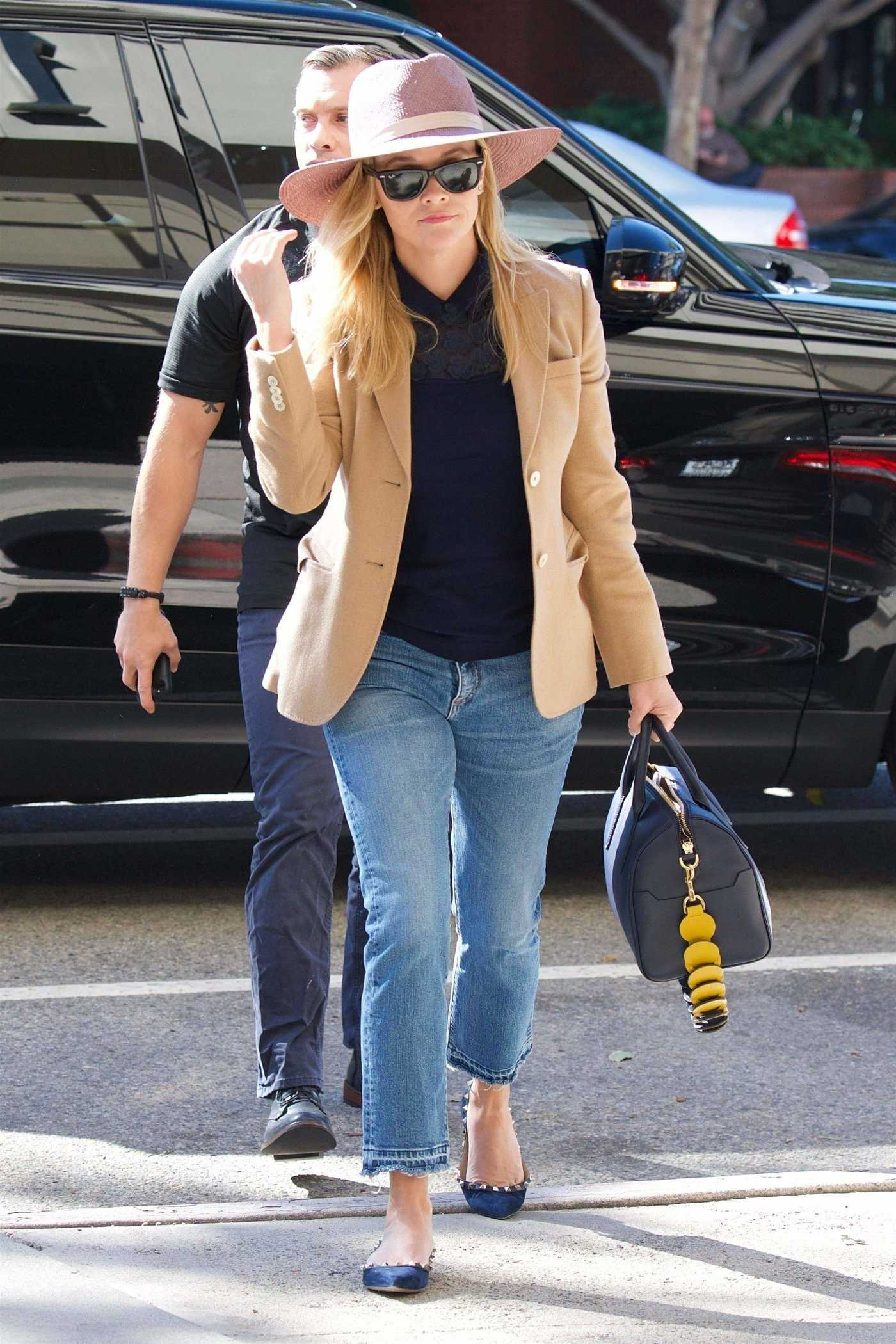 Reese Witherspoon in a Pink Hat Arrives for a Meeting in Brentwood 10/16/2018