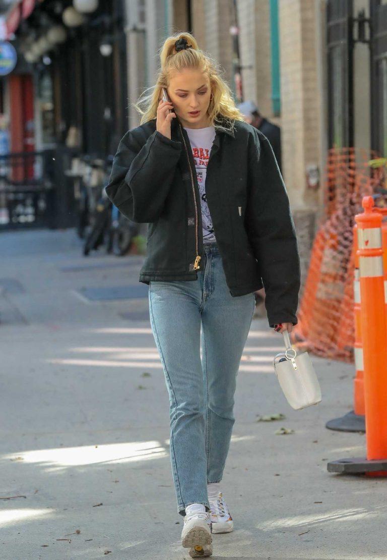 Sophie Turner in a Blue Jeans