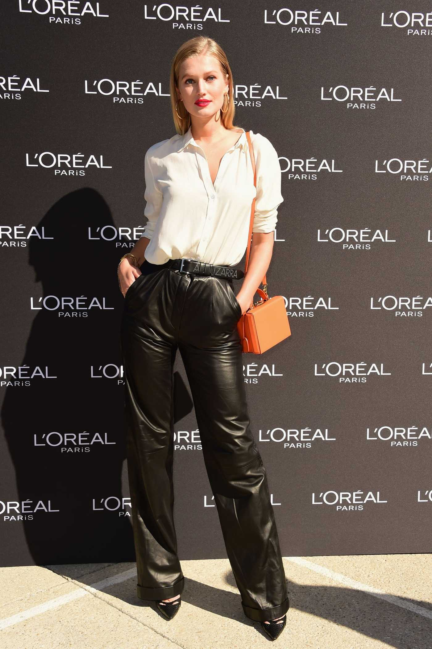 Toni Garrn Attends the L'Oreal Fashion Show During the Paris Fashion Week in Paris 09/30/2018