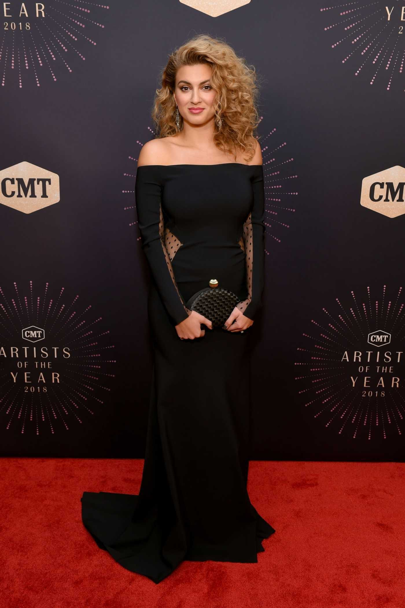 Tori Kelly Attends 2018 CMT Artists of The Year at Schermerhorn Symphony Center in Nashville 10/17/2018