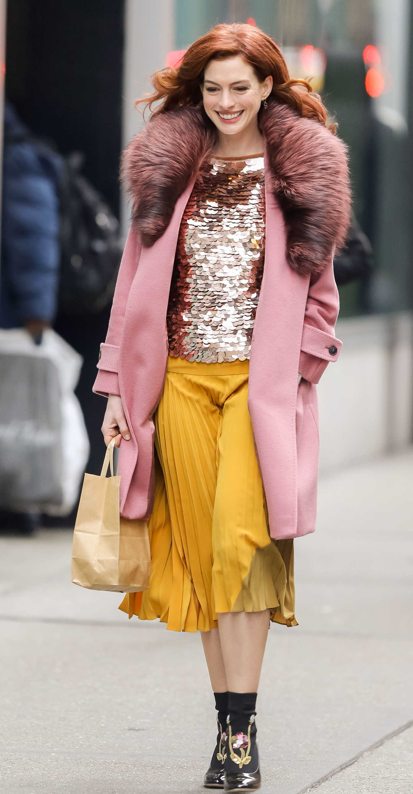 Anne Hathaway in a Pink Coat Was Seen Out in New York City 11/20/2018