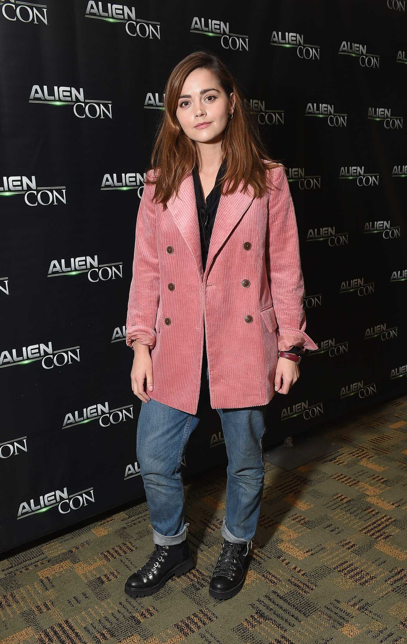 Jenna-Louise Coleman Attends 2018 AlienCon in Baltimore 11/09/2018