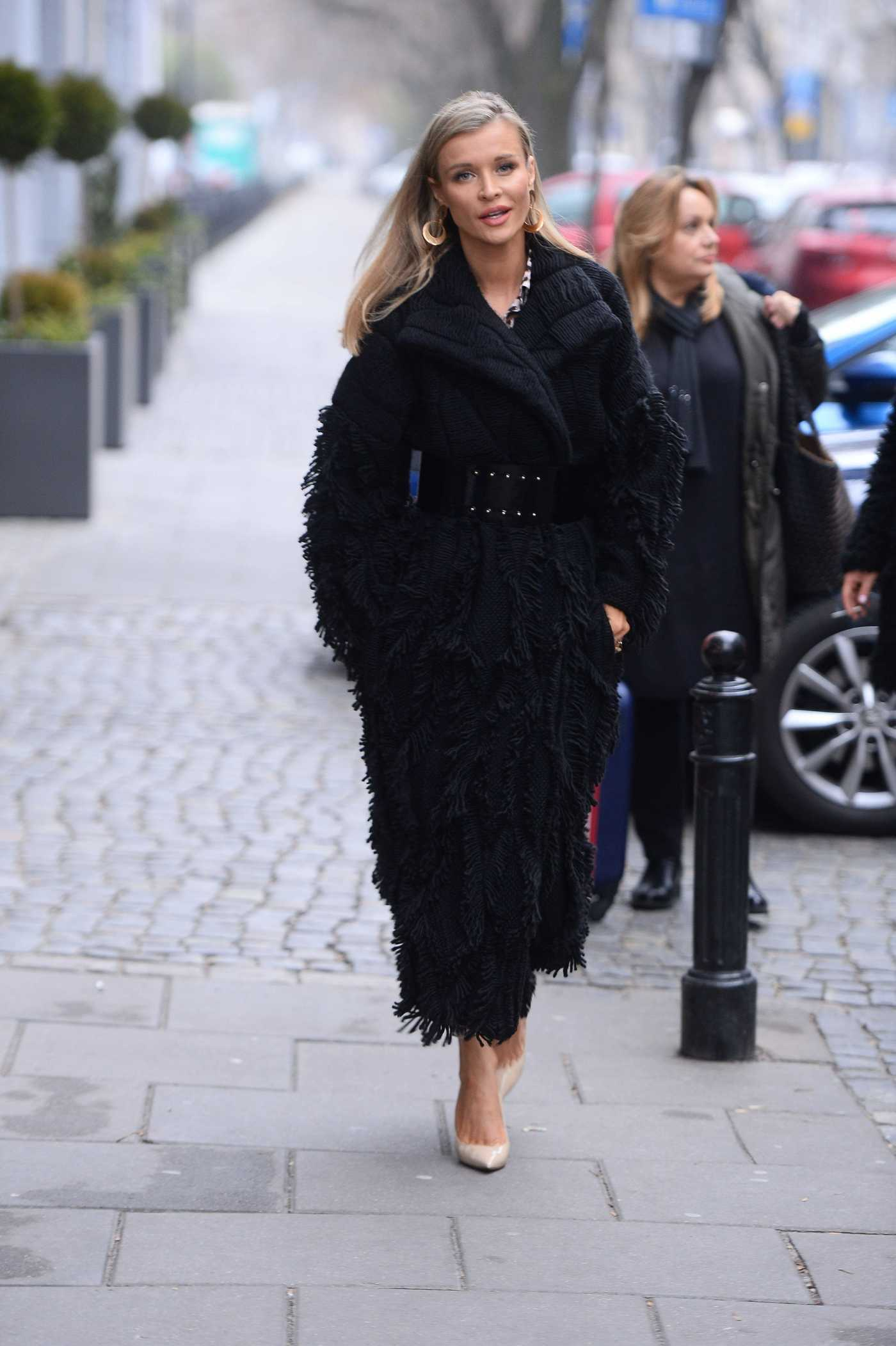 Joanna Krupa in a Black Coat Was Seen Out in Warsaw 11/25/2018