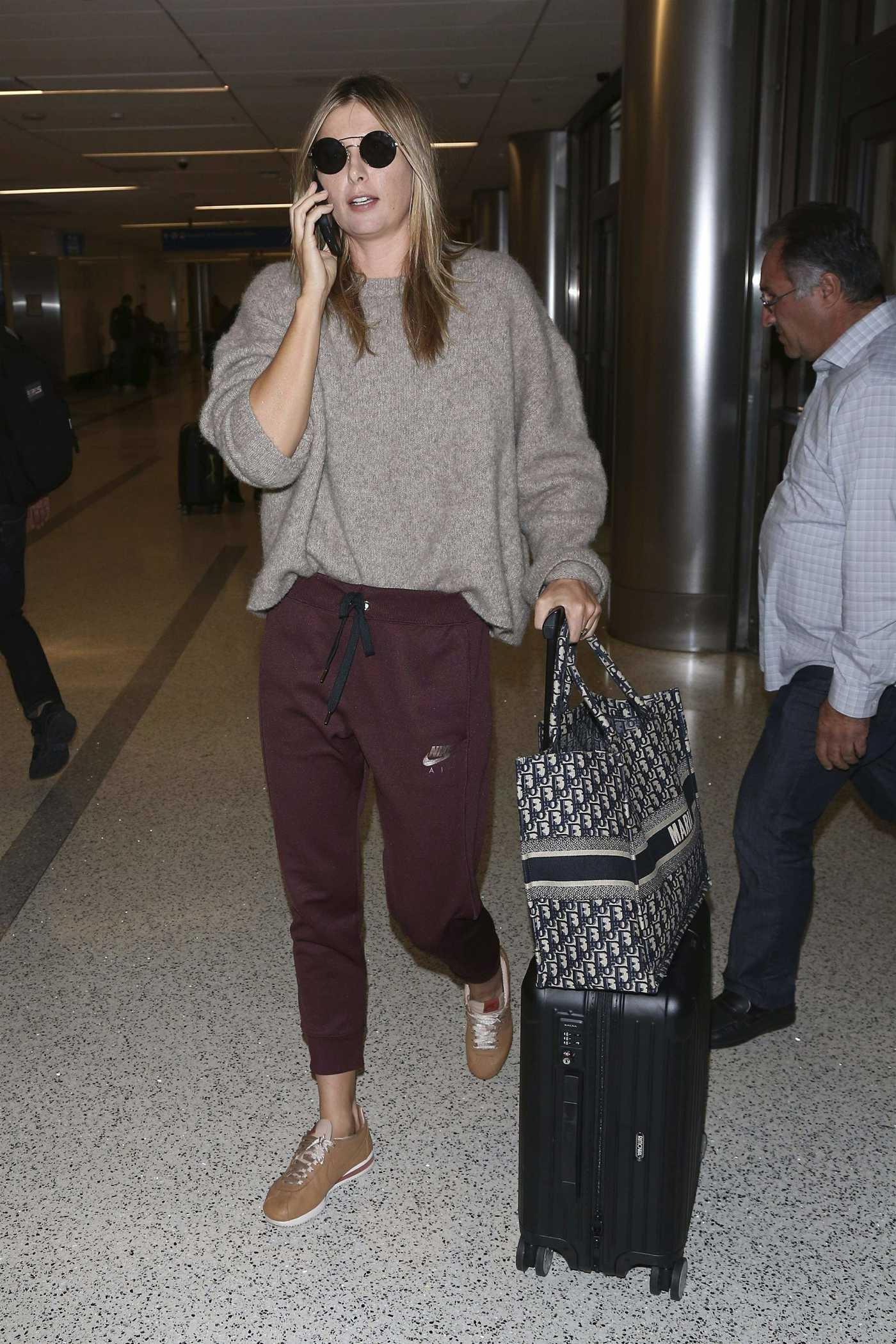 Maria Sharapova Arrives at LAX Airport in Los Angeles 11/27/2018