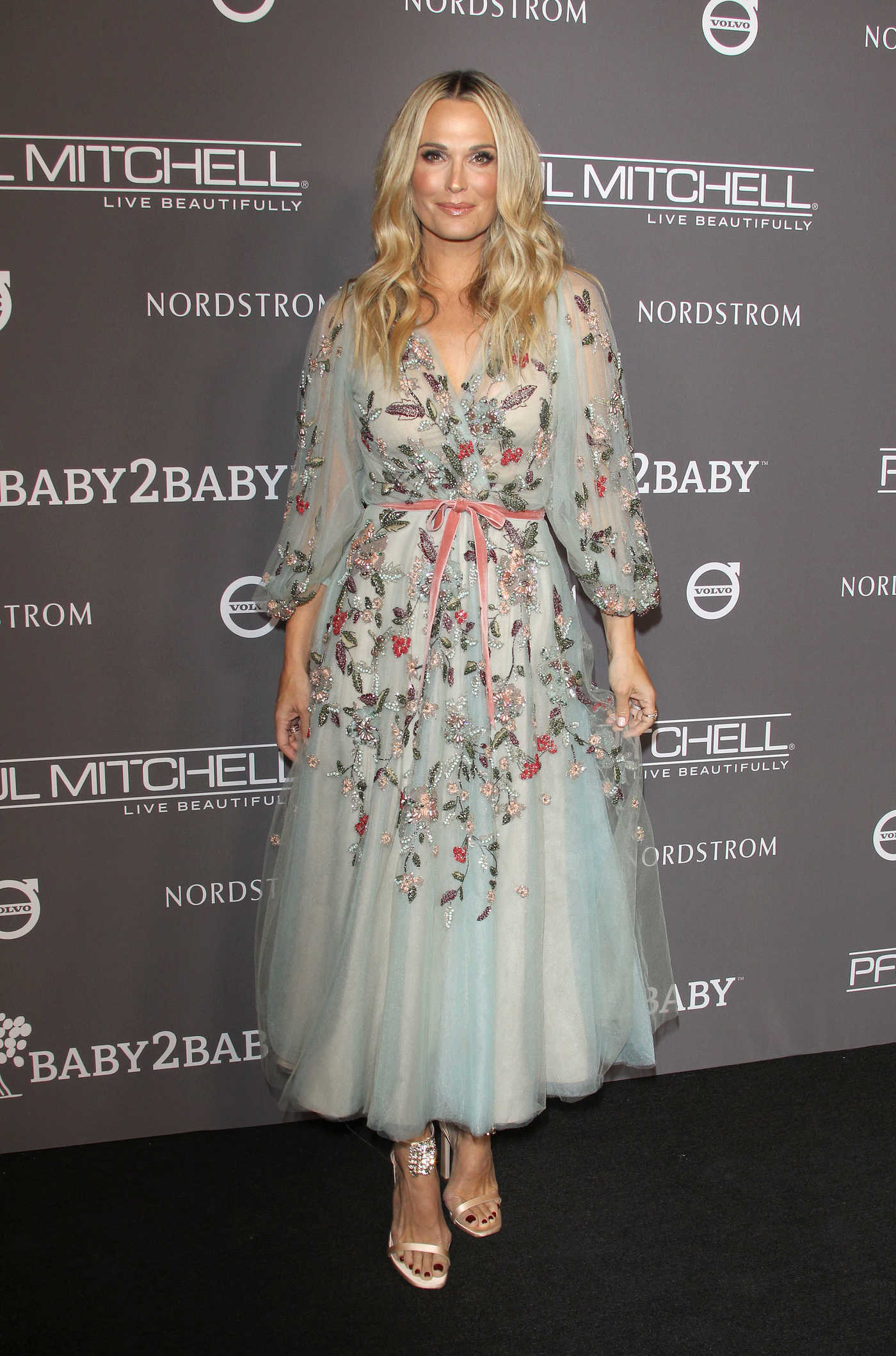 Molly Sims Attends 2018 Baby2Baby Gala in LA 11/10/2018