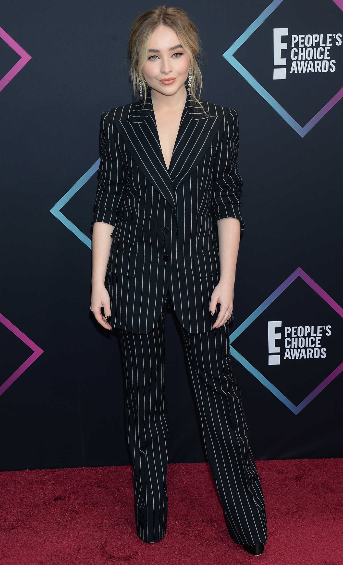 Sabrina Carpenter Attends 2018 People's Choice Awards in Santa Monica 11/11/2018